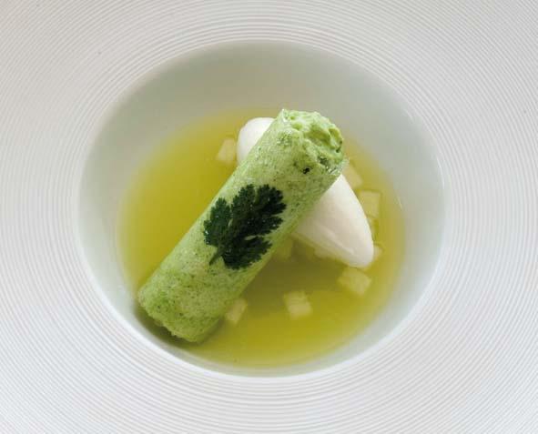 Soupe de Poire au gingembre, cannelloni à la coriandre et glace yaourt