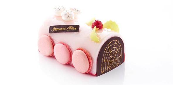 Bûche Sorbet. Litchi pétales de roses, sorbet framboise sur fond dacquoise aux amandes. Fabien Foenix (www.glacier-foenix.com).