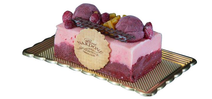 Bûche Fruits des bois. Sorbets fraises des bois, myrtilles et framboises. René Nardonne (www.glaciernardone.com).