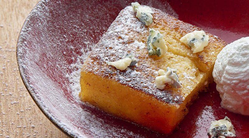 Brioche comme un pain perdu, crème légère à la vanille et Saint Agur