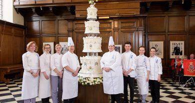 Le monumental gâteau de mariage de la reine Elisabeth II
