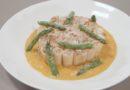 Pâtes « Mezze maniche » farcies à la ricotta, Jambon de Parme AOP, asperges et réduction de crème safranée